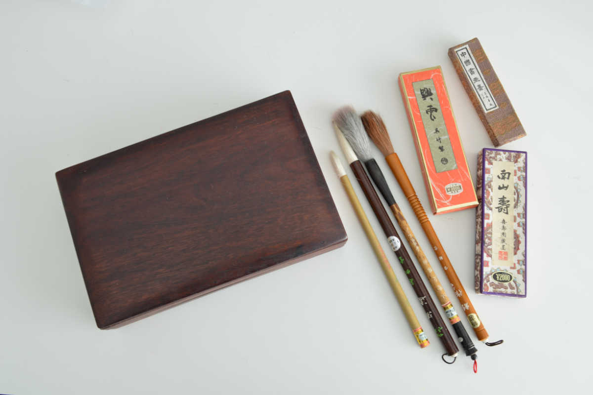Calligraphie japonaise : les 6 outils essentiels à acheter